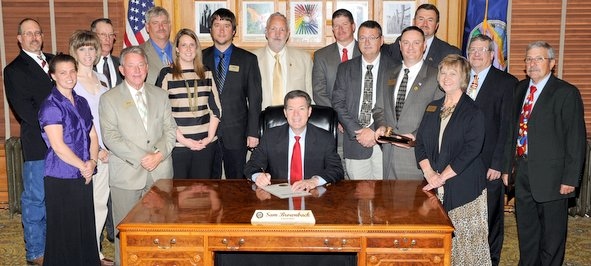 KAA Board of Directors and guests meet with Governor Brownback