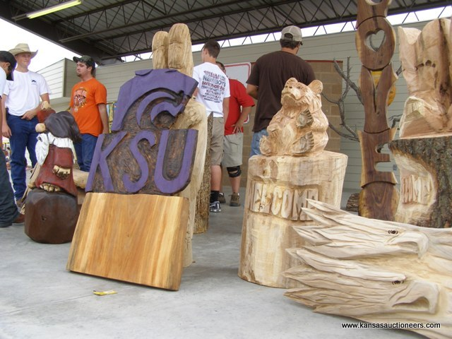 Chainsaw wood sculptures