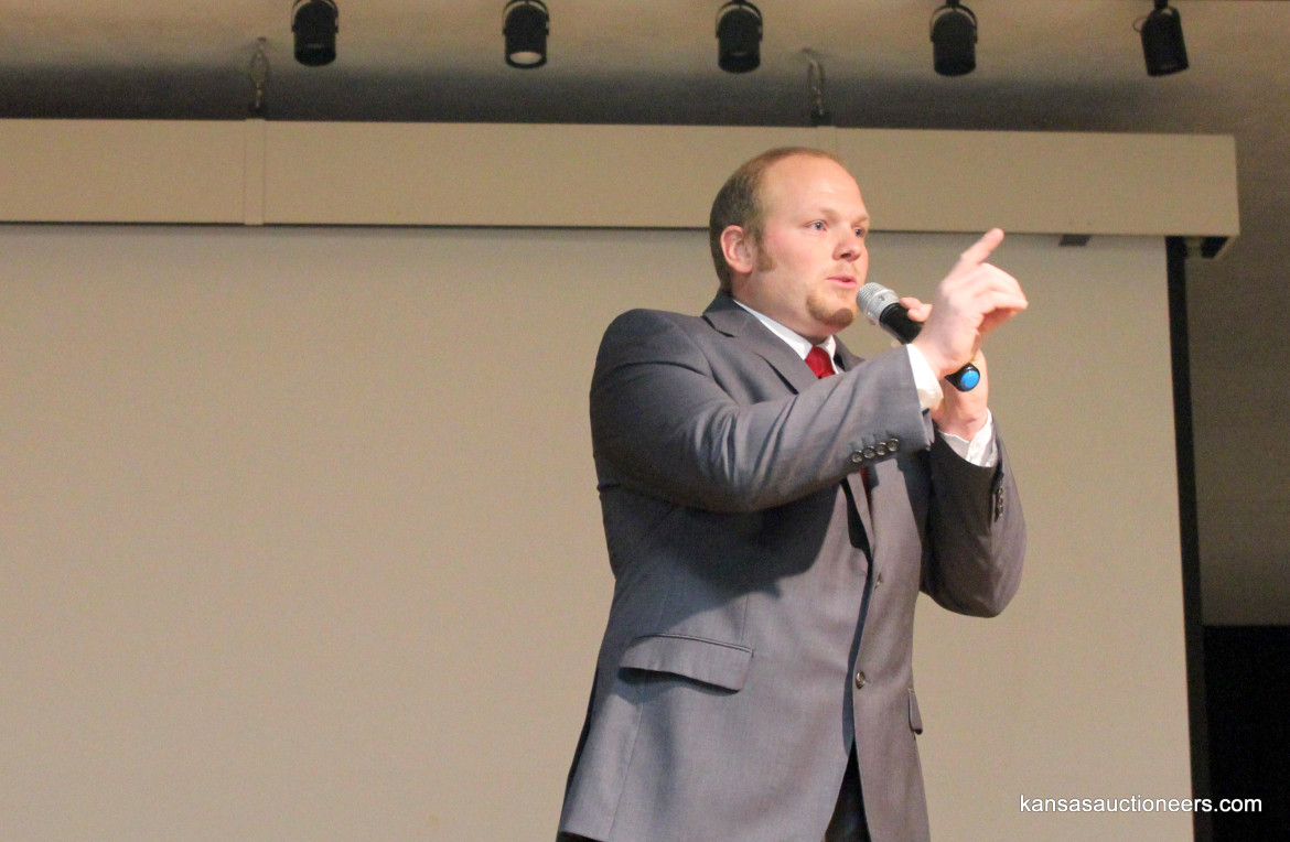 Arlin Eicher competing in the 2016 Kansas Auctioneer Preliminaries.