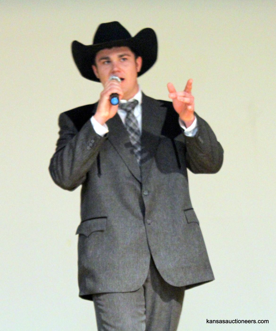 Jase Hubert competing in the 2016 Kansas Auctioneer Preliminaries.