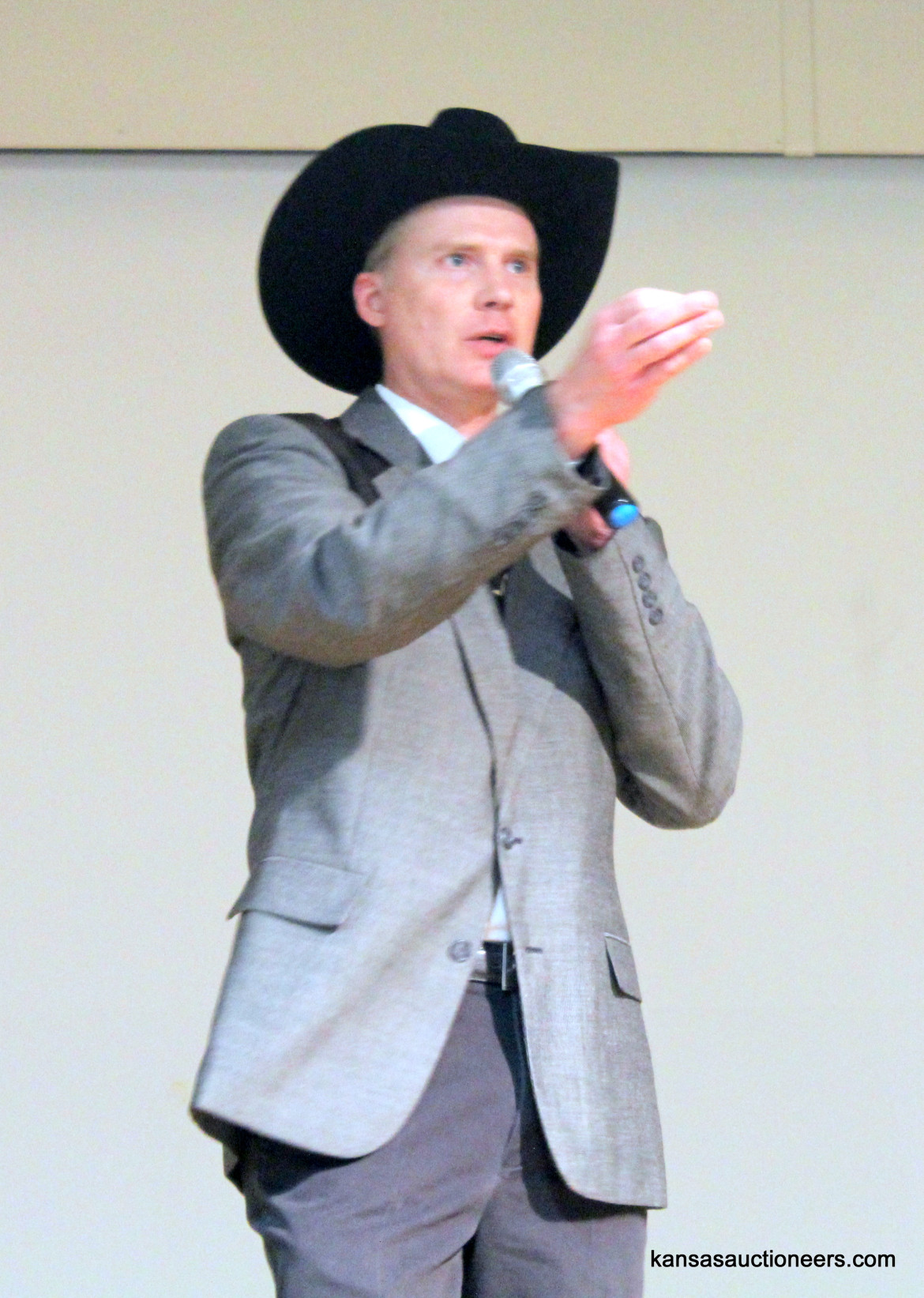Troy Wedel competing in the 2016 Kansas Auctioneer Preliminaries.